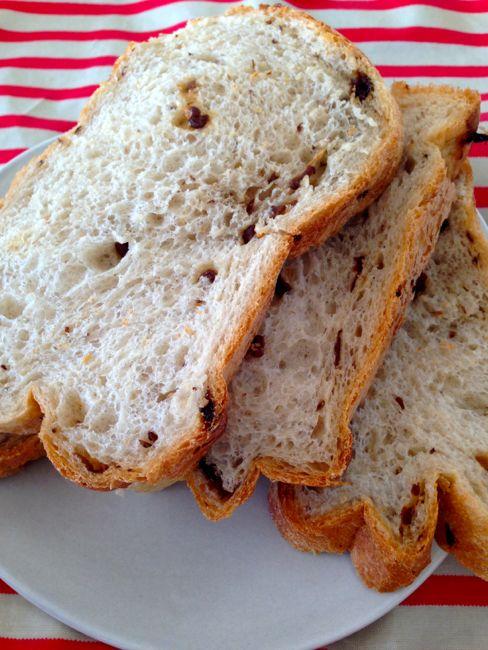 [レビュー]ホームベーカリーで焼くレーズンパンが最高に美味しい!