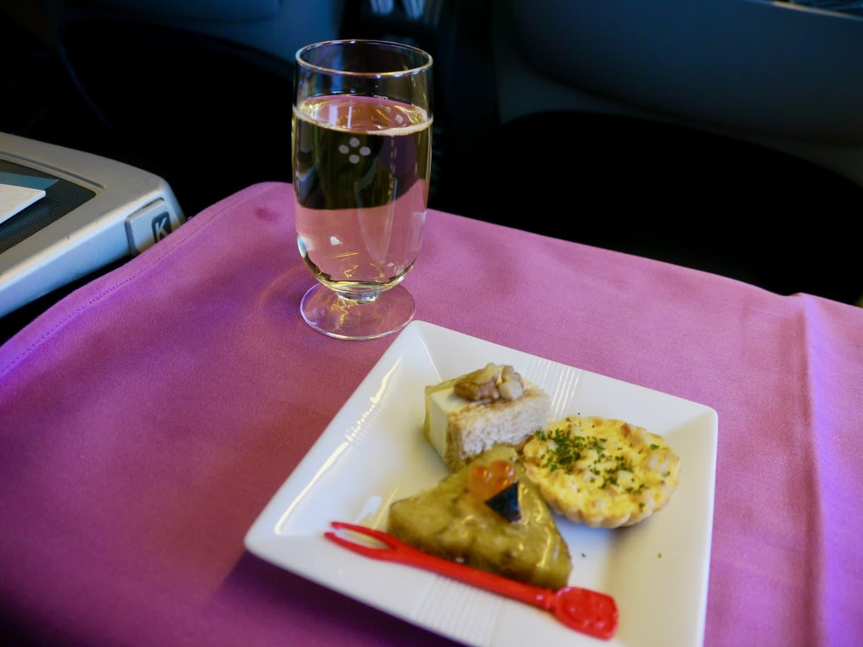 シャンパンと前菜