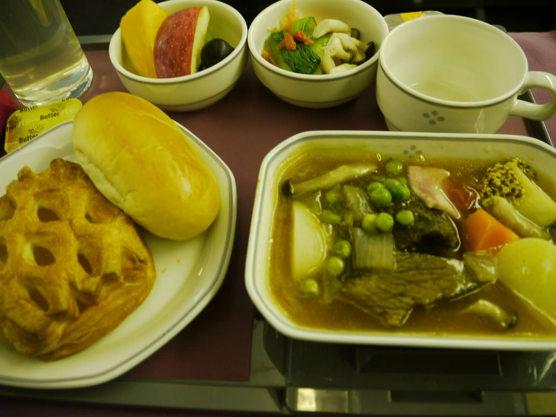 JL417機内で2回目の食事(洋食)