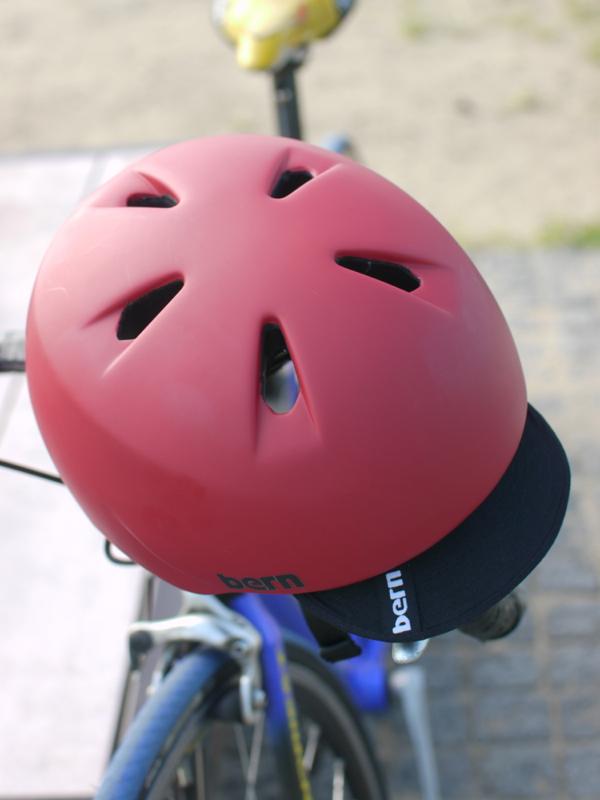 子供用ヘルメット bern(バーン)〜エイリアンじゃないタイプのヘルメットが欲しい!