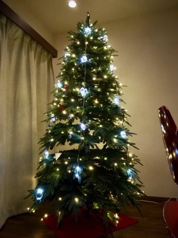 クリスマスツリーにIKEAのイルミネーションを追加